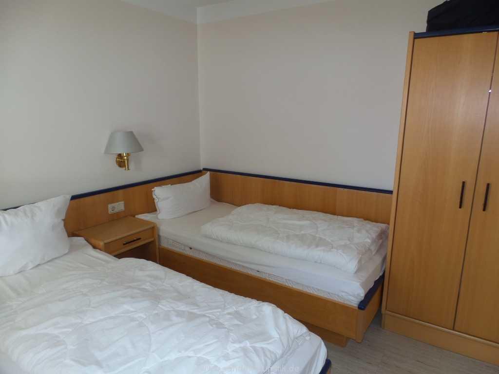 2.Schlafzimmer mit zwei Einzelbetten