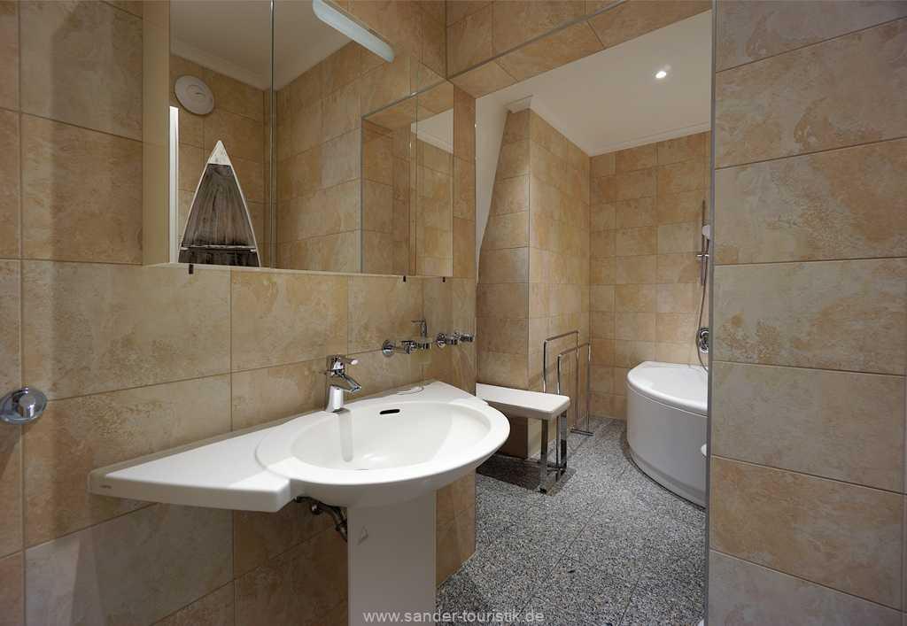 Foto der Wohnung RUG-11-003-01-villa-vergissmeinnicht-binz-badezimmer.JPG