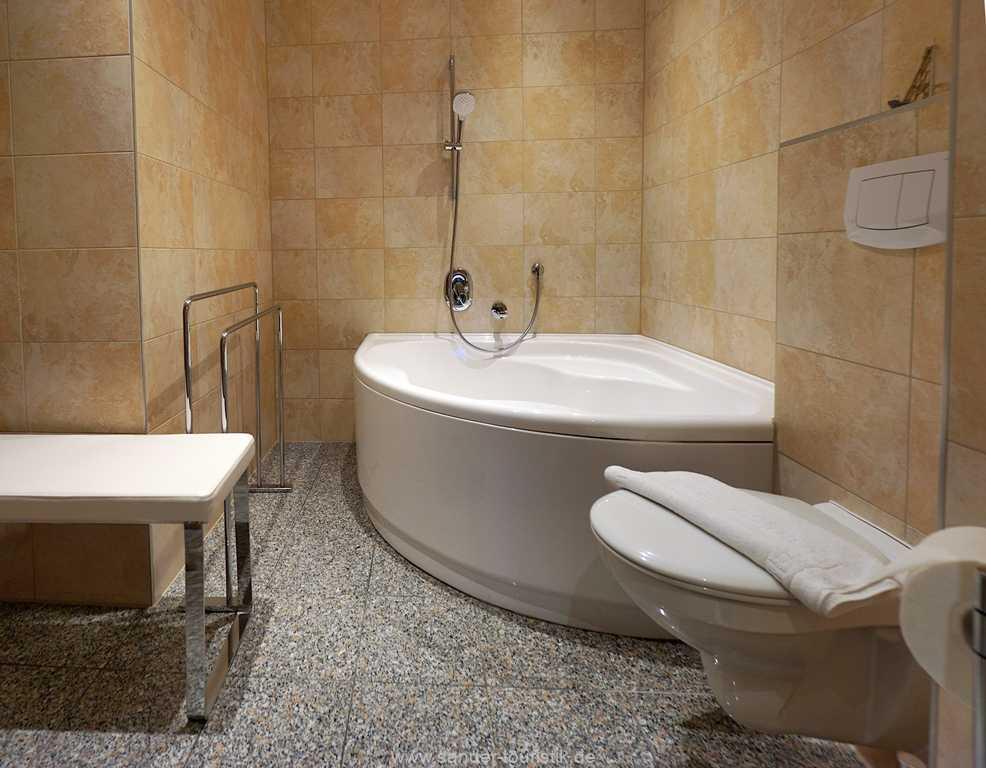 Foto der Wohnung RUG-11-003-01-villa-vergissmeinnicht-binz-badezimmer1.JPG