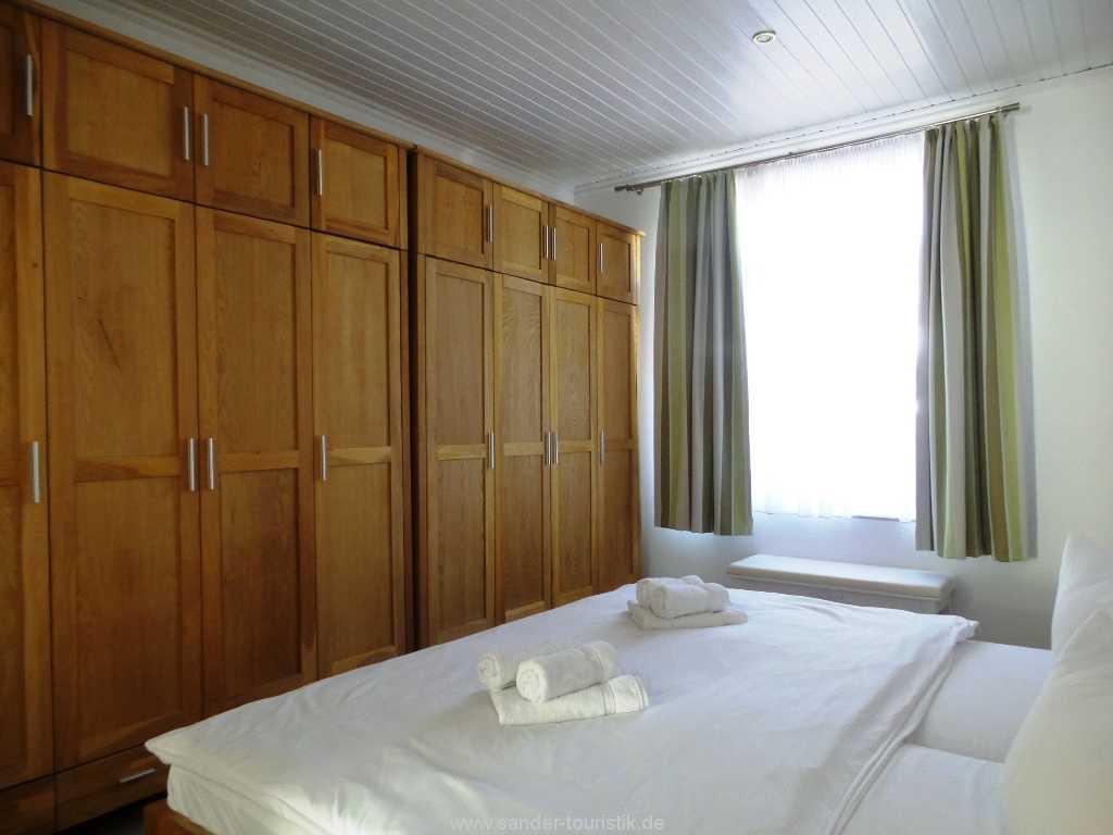 Foto der Wohnung RUG-11-003-01-villa-vergissmeinnicht-binz-schlafen1.jpg