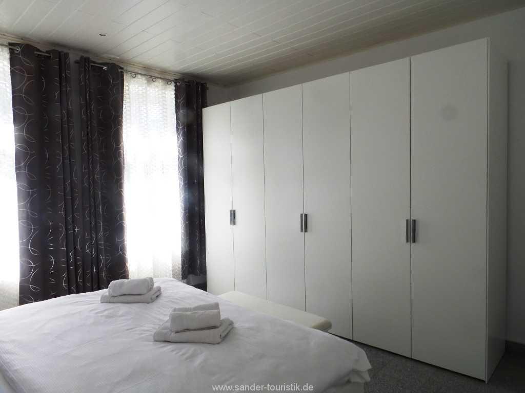 Foto der Wohnung RUG-11-003-01-villa-vergissmeinnicht-binz-schlafen4.jpg