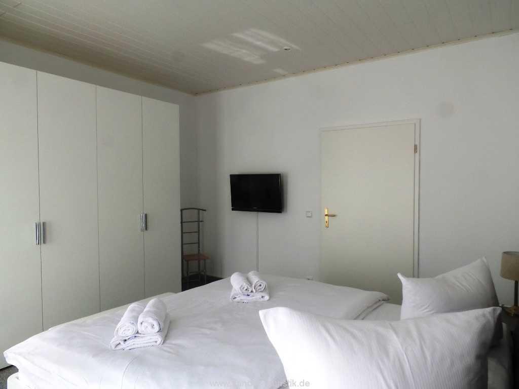 Foto der Wohnung RUG-11-003-01-villa-vergissmeinnicht-binz-schlafen5.jpg