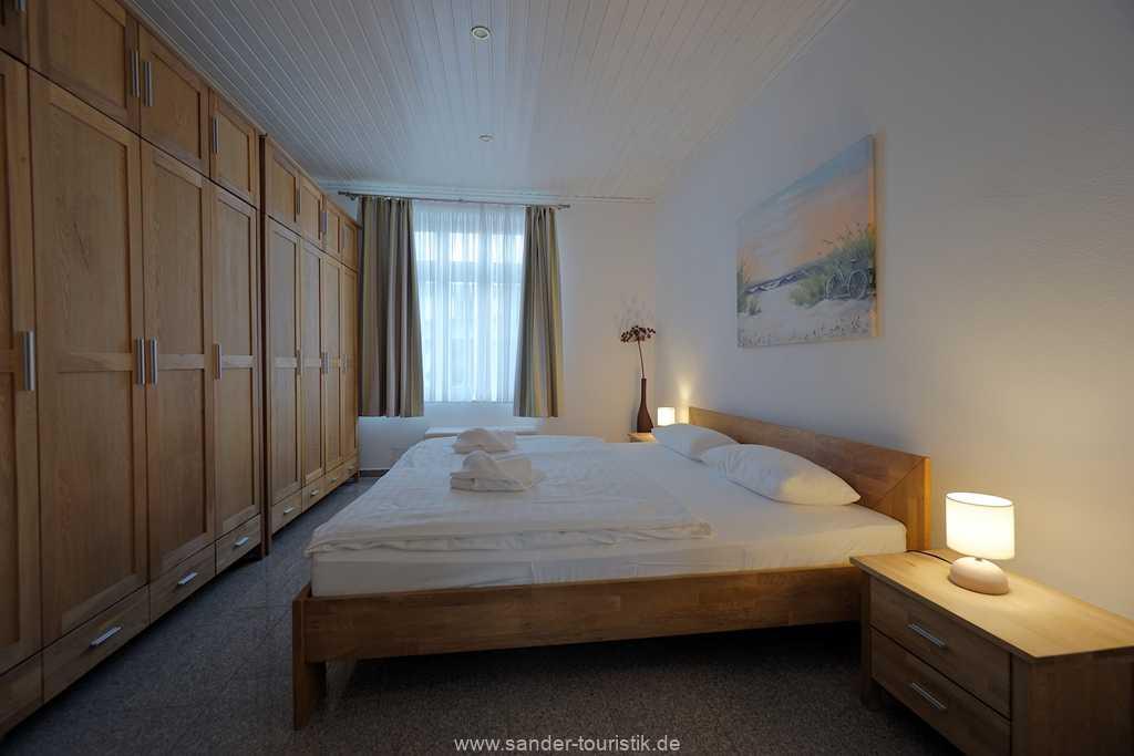 Foto der Wohnung RUG-11-003-01-villa-vergissmeinnicht-binz-schlafzimmer.JPG