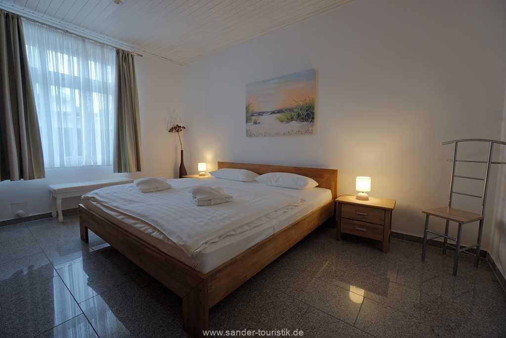 Foto der Wohnung RUG-11-003-01-villa-vergissmeinnicht-binz-schlafzimmer1.JPG