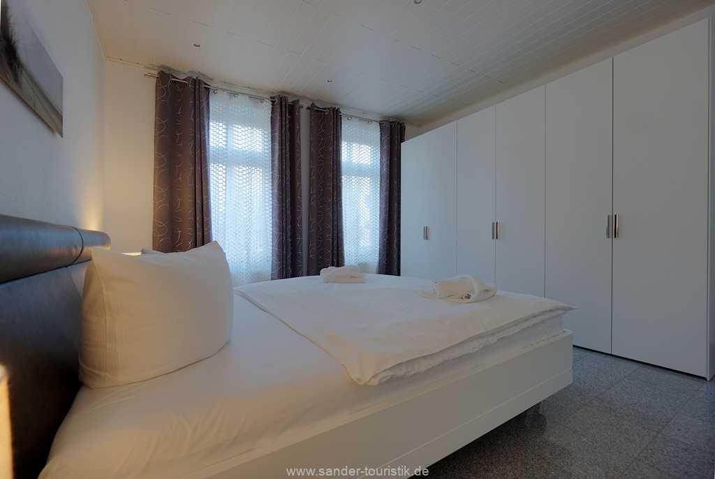 Foto der Wohnung RUG-11-003-01-villa-vergissmeinnicht-binz-schlafzimmer4.JPG