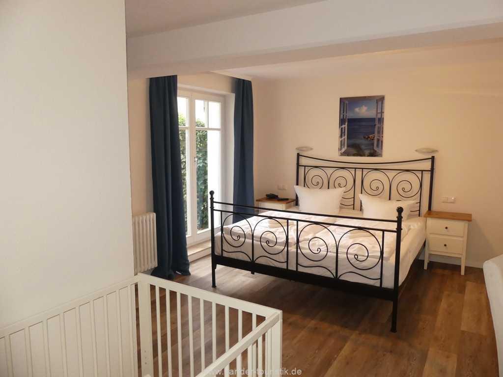 Foto der Wohnung RUG-11-005-02-villa-jugendglueck-binz-schlafzimmer.jpg