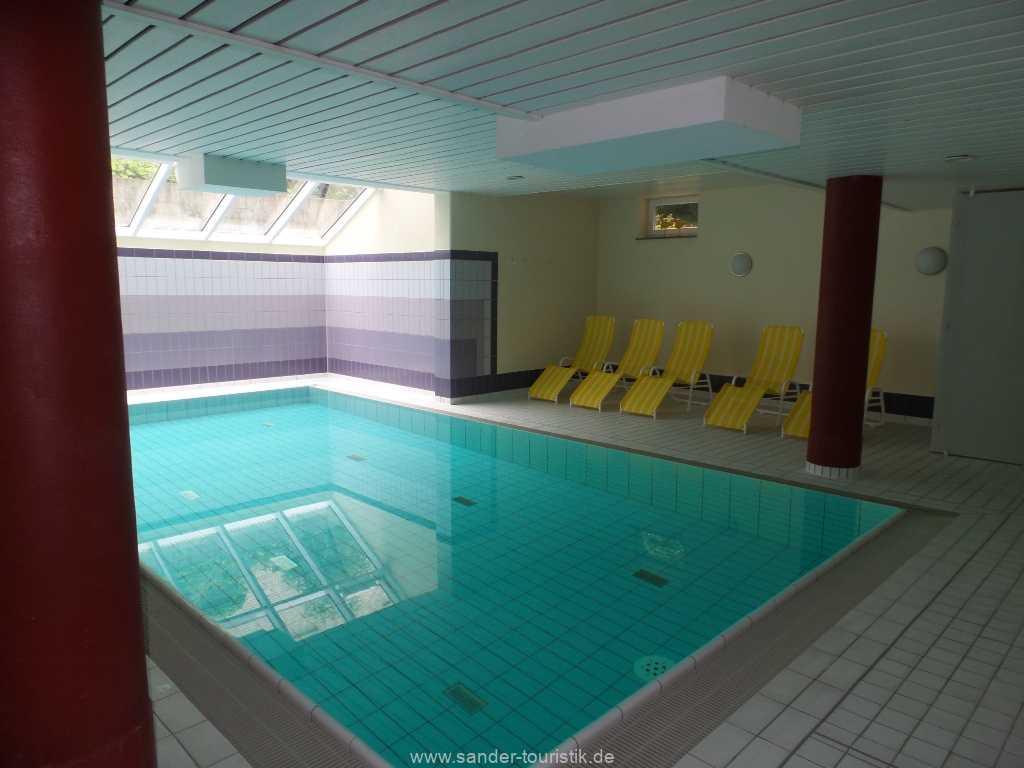 Schwimmbad Haus a cappella