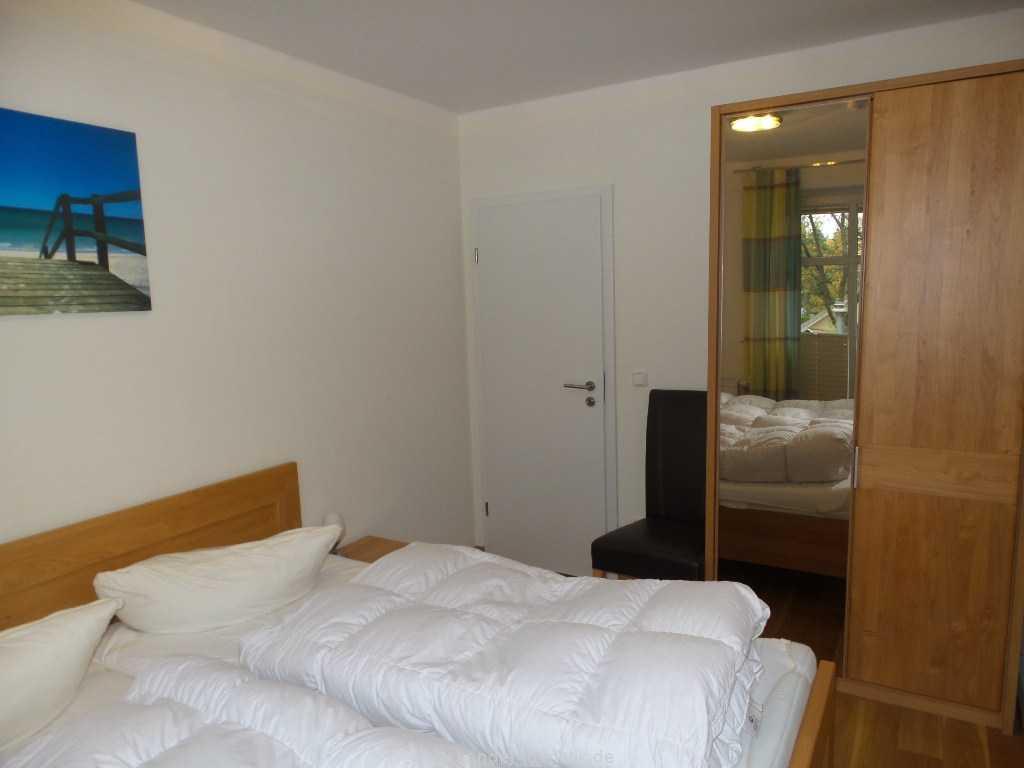 Schlafzimmerschrank mit Spiegeltür - Binz - Casper David