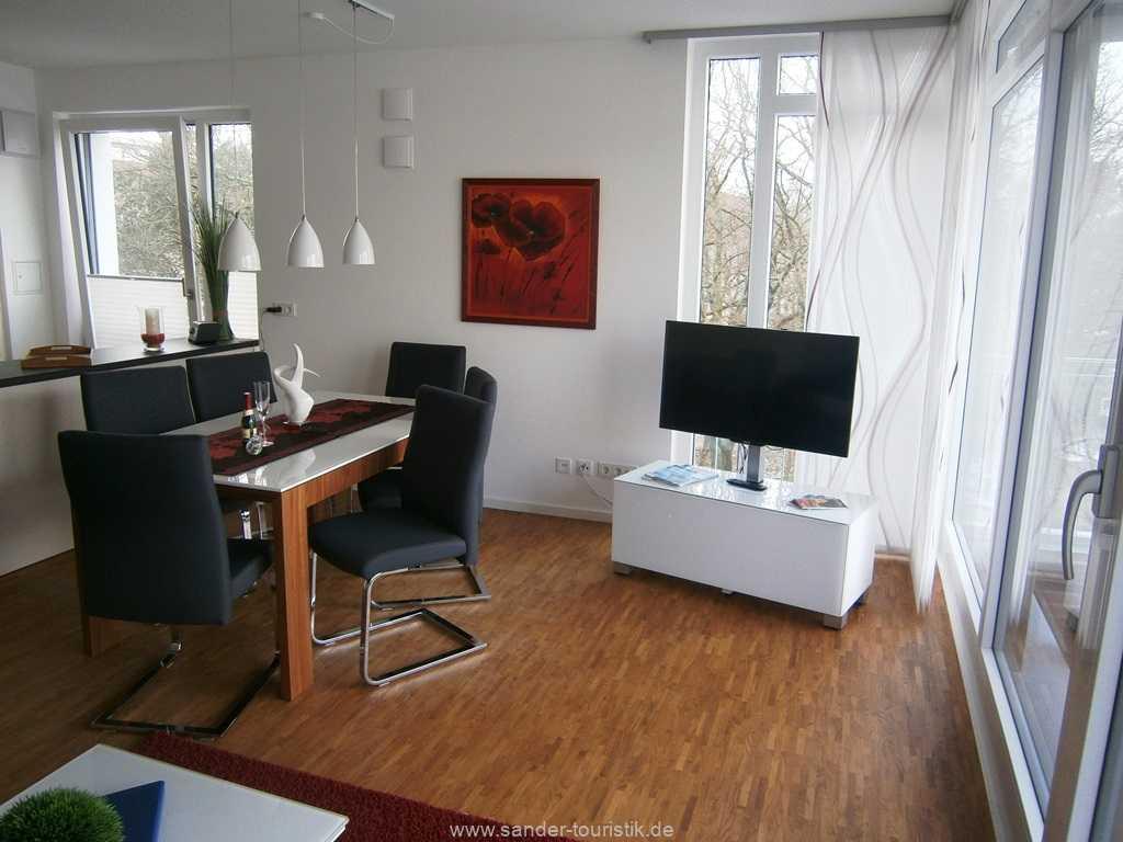 Großer TV und W-LAN in der Dreiraum-Wohnung