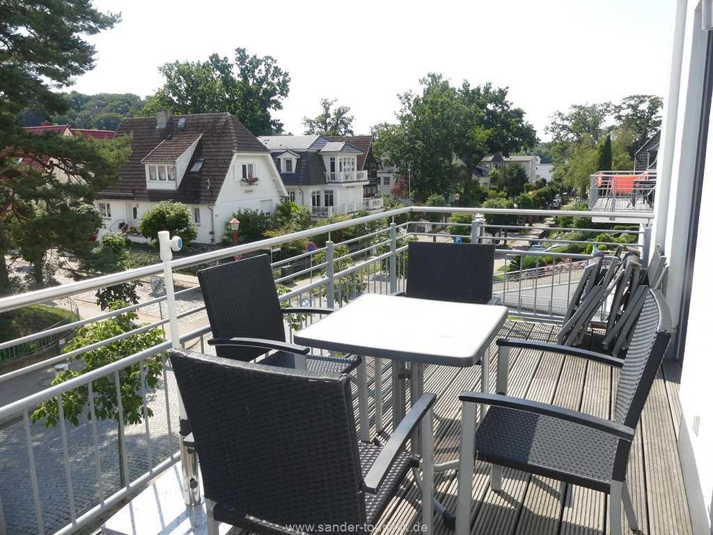 Foto der Wohnung RUG-11-013-19-residenz-margarete-binz-balkon.jpg