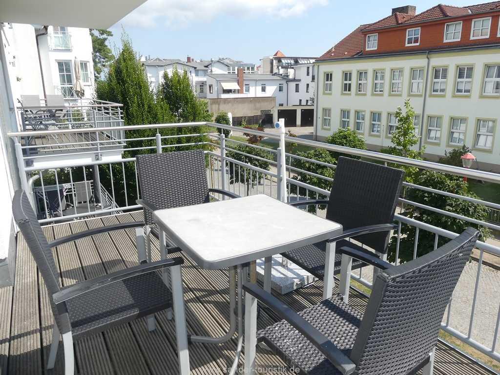 Foto der Wohnung RUG-11-013-19-residenz-margarete-binz-balkon1.jpg
