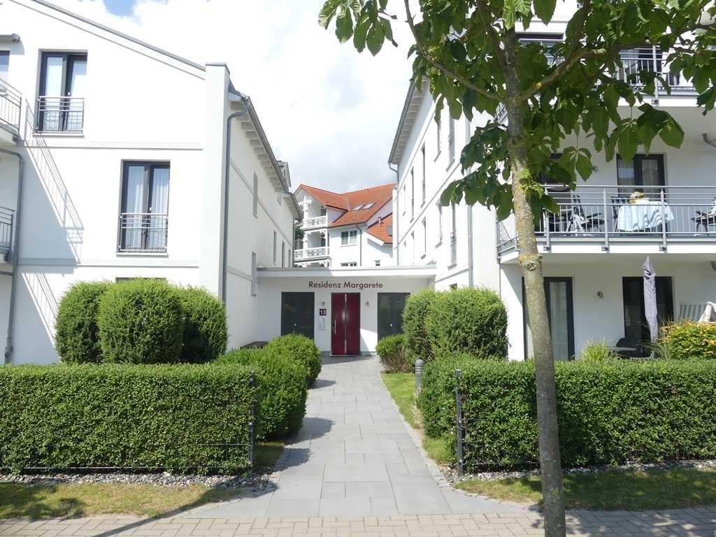 Foto der Wohnung RUG-11-013-19-residenz-margarete-binz-eingang.JPG