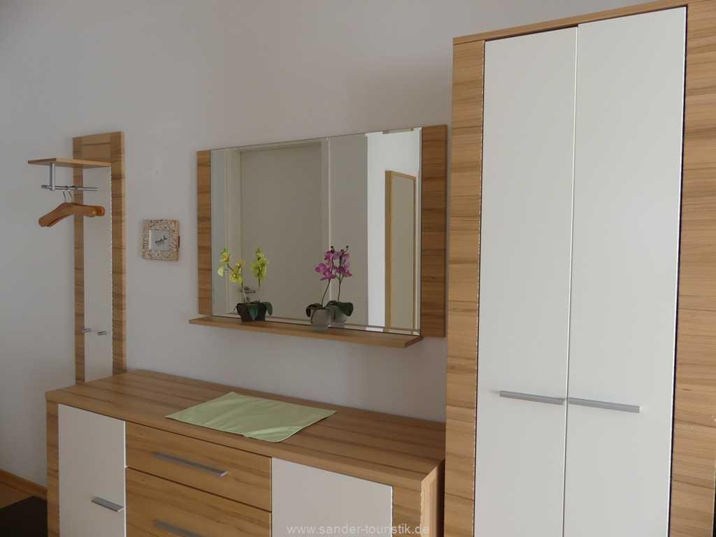 Foto der Wohnung RUG-11-013-19-residenz-margarete-binz-flur1.jpg