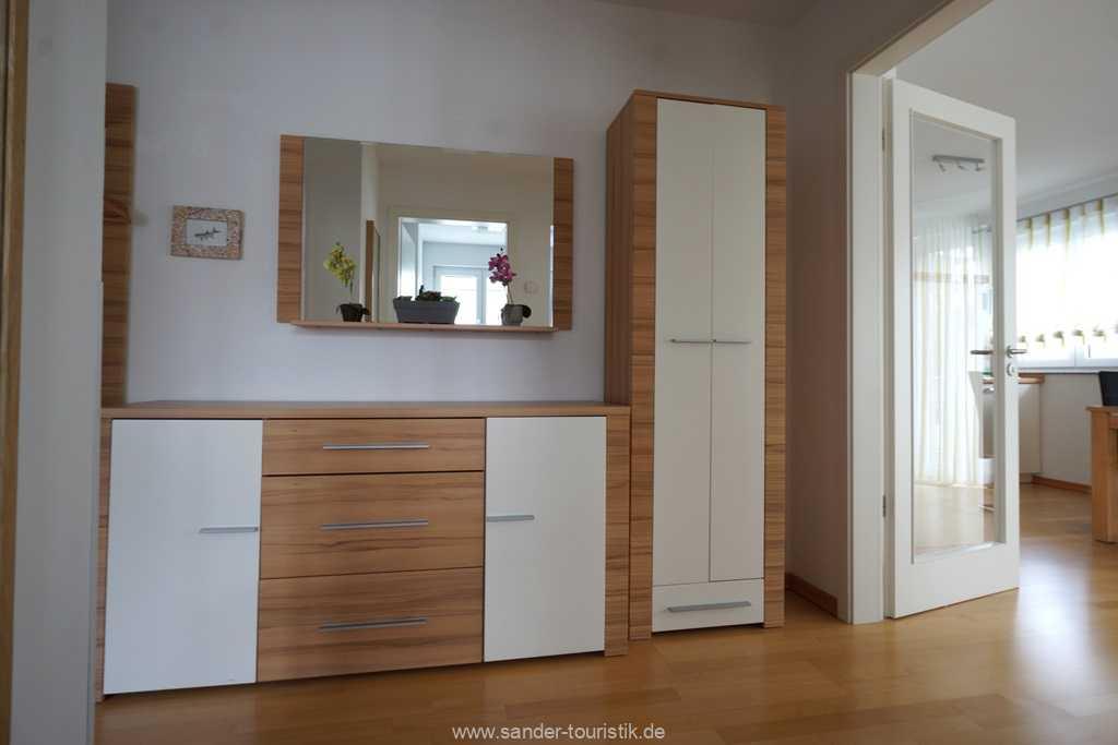Foto der Wohnung RUG-11-013-19-residenz-margarete-binz-flur2.jpg
