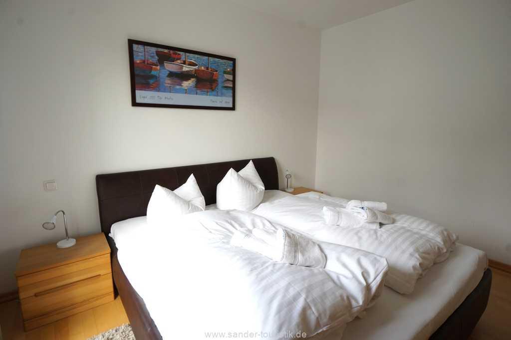 Foto der Wohnung RUG-11-013-19-residenz-margarete-binz-schlafzimmer1.jpg