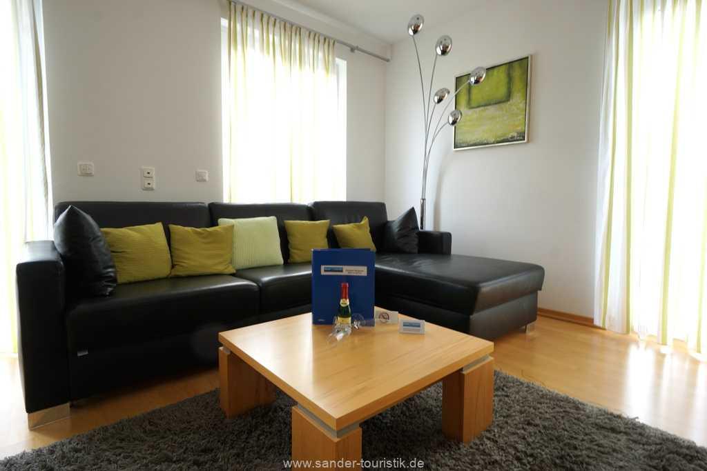 Foto der Wohnung RUG-11-013-19-residenz-margarete-binz-sitzecke2.jpg