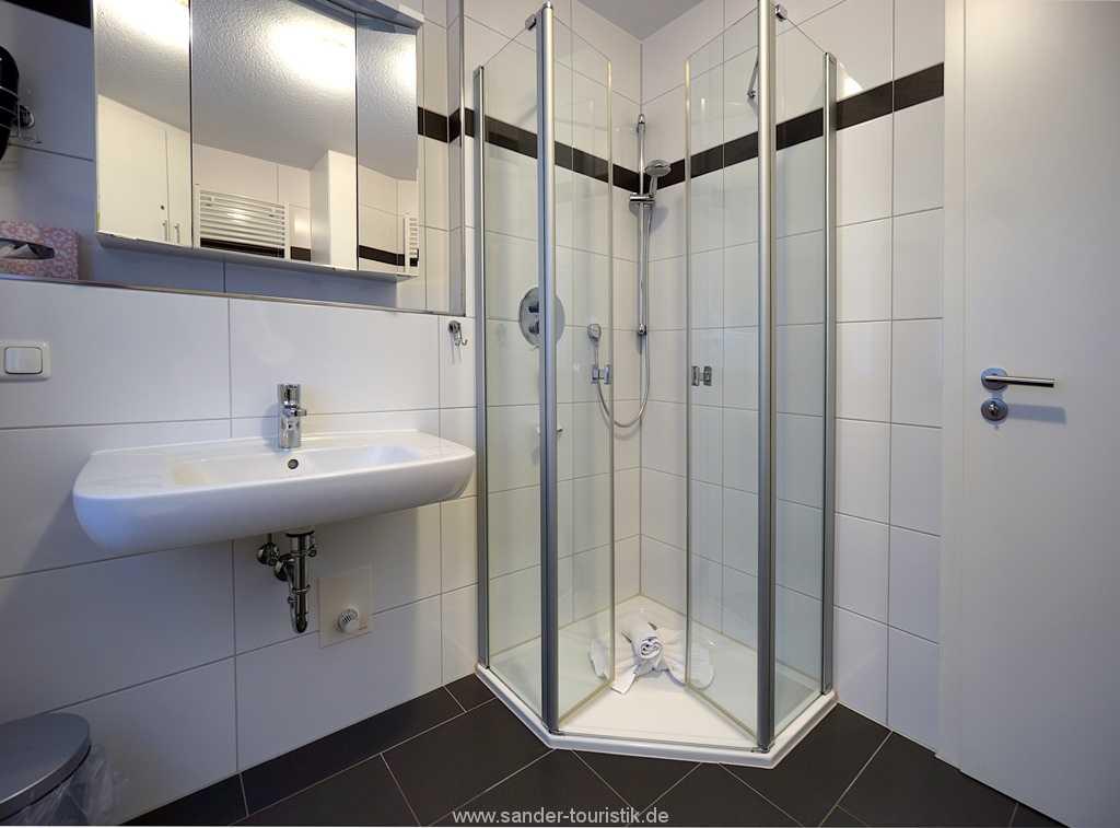Foto der Wohnung RUG-11-013-21-residenz-margarete-binz-badezimmer.JPG