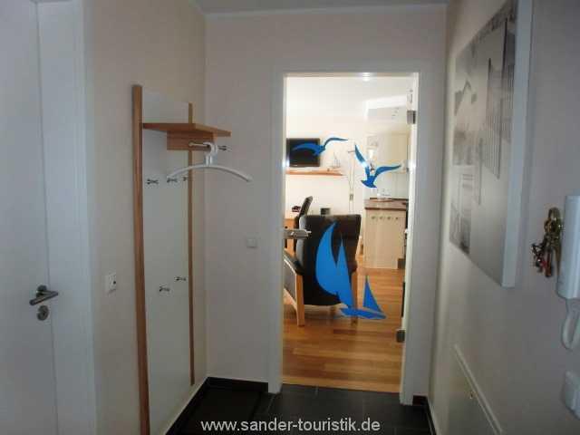 Foto der Wohnung RUG-11-013-21-residenz-margarete-binz-flur1.JPG