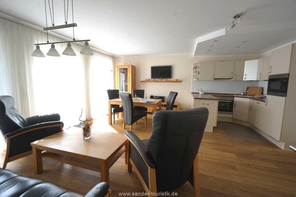 Foto der Wohnung RUG-11-013-21-residenz-margarete-binz-wohnraum.JPG