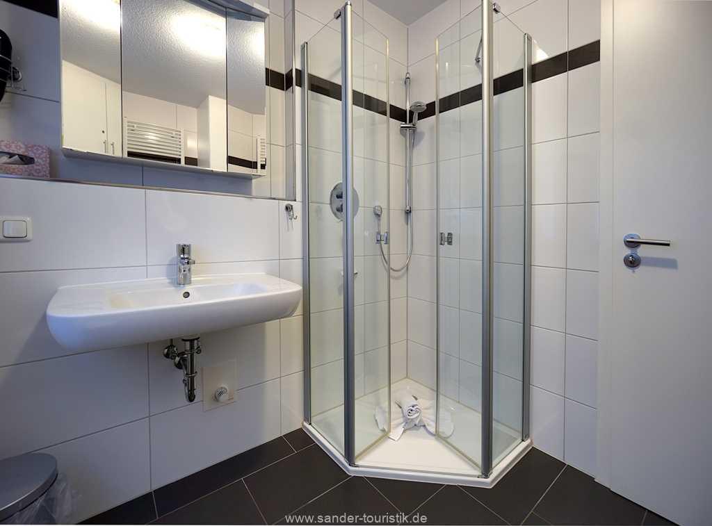 Foto der Wohnung RUG-11-013-21-residenz-margarete-binz.badezimmer1.JPG