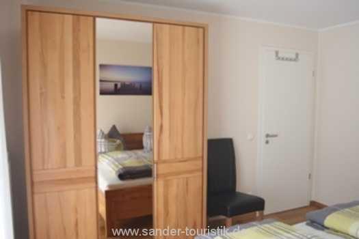 Schlafzimmerschrank mit Spiegel - Residenz Margarete