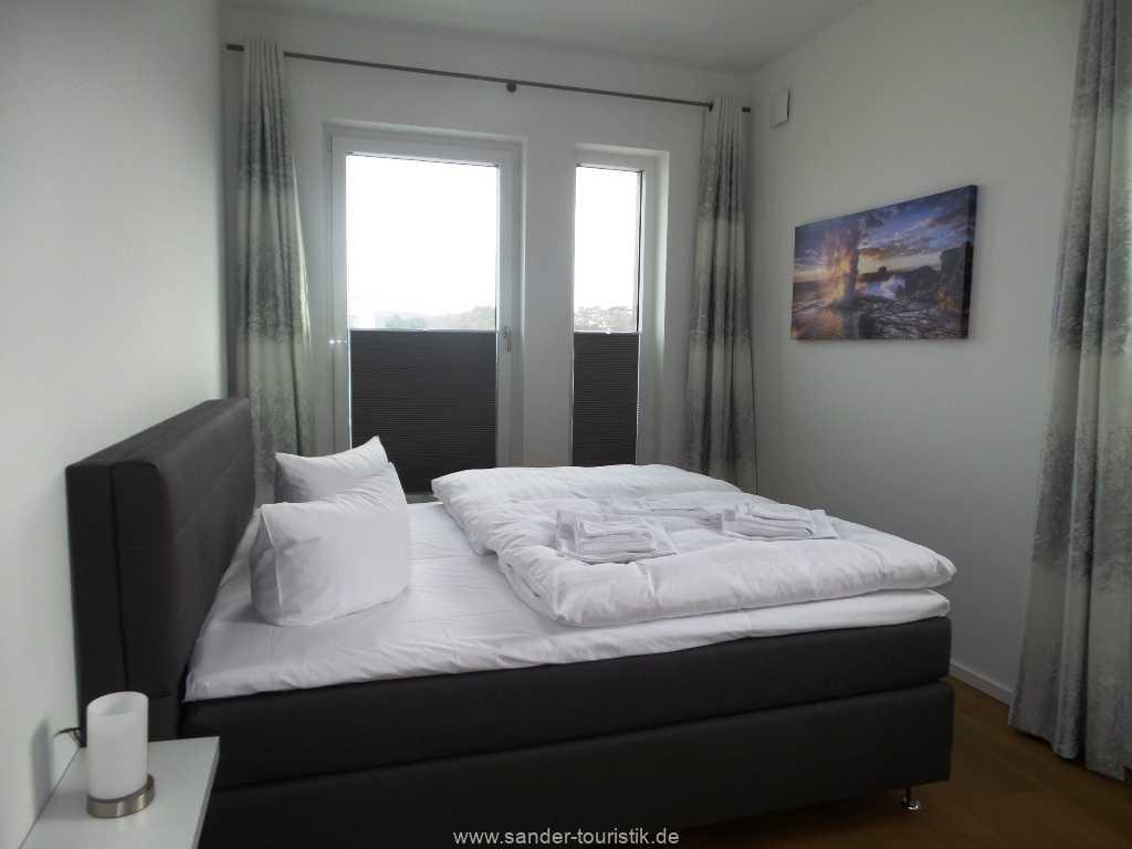 1. Doppelbett-Schlafzimmer