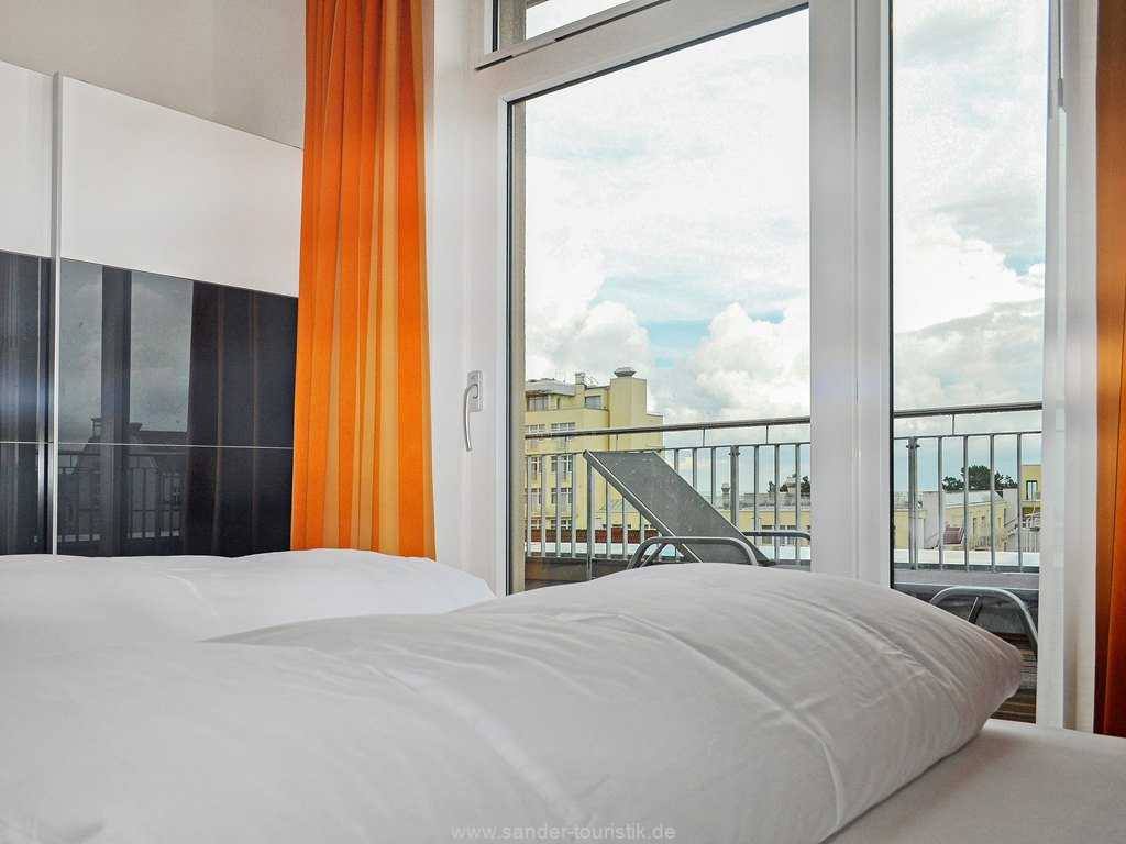 Balkon mit Blick auf die Ostsee, Binz