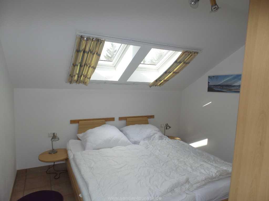 2. Schlafzimmer mit Doppelbett, Meernixe - Binz