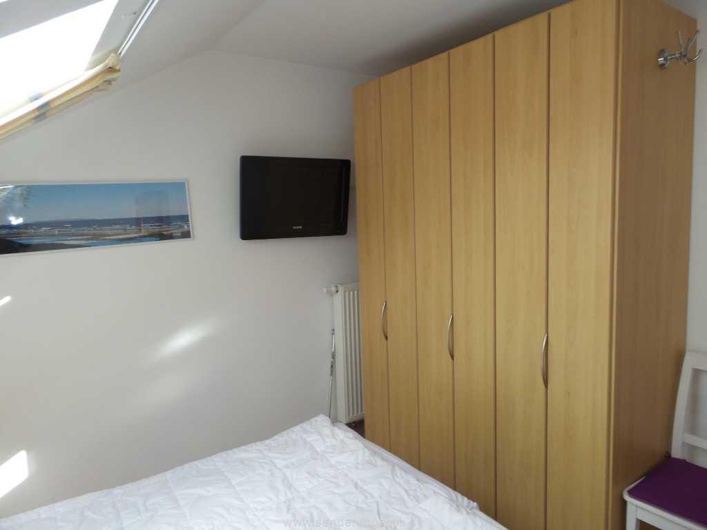 Doppelbettschlafzimmer mit TV -Villa Meernixe - Binz
