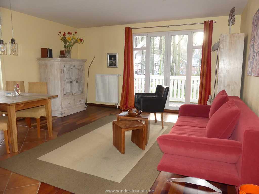 Wohnzimmer mit Edelstahl Wand-Kamin - Binz