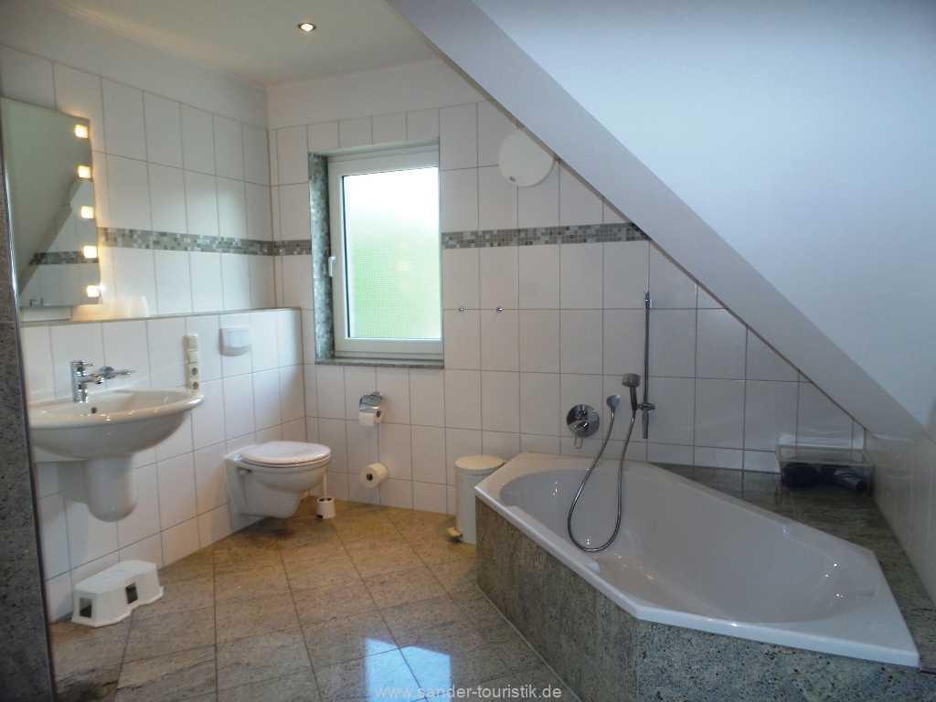 Foto der Wohnung RUG-12-001-01-fh-strandamsel-binz-badezimmer.jpg