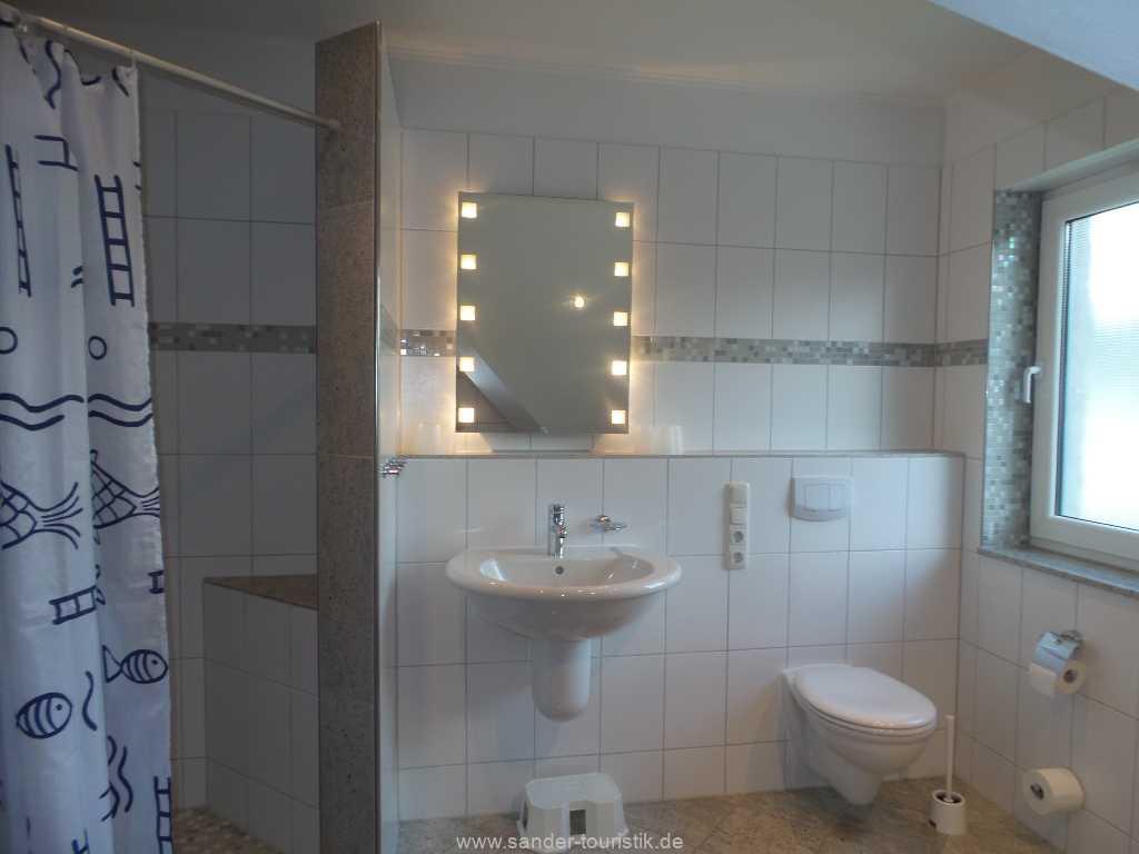 Foto der Wohnung RUG-12-001-01-fh-strandamsel-binz-badezimmer1.jpg
