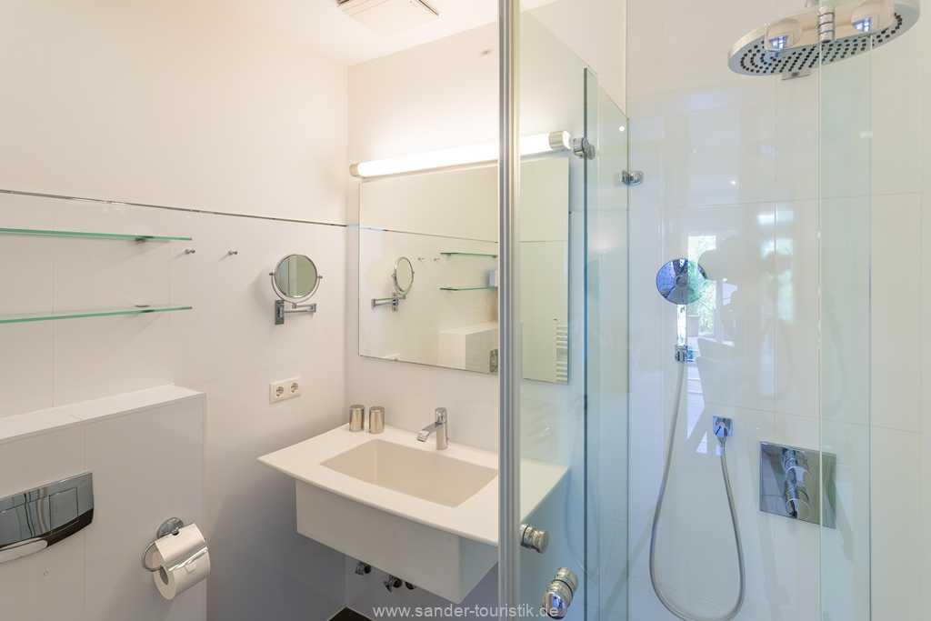 Foto der Wohnung RUG-12-015-02-villa-ravensberg-binz-badezimmer.jpg