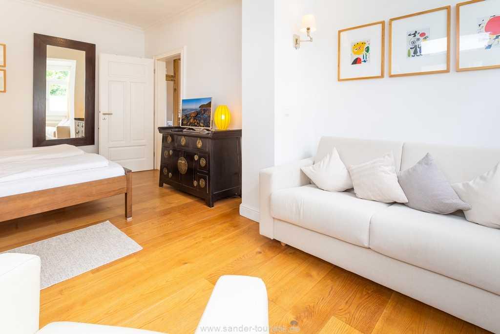 Foto der Wohnung RUG-12-015-02-villa-ravensberg-binz-schlafzimmer2.jpg