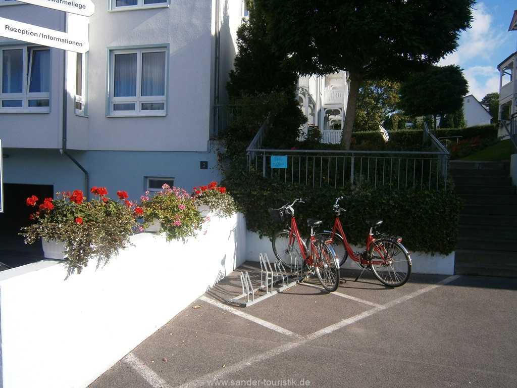 Foto der Wohnung RUG-12-021-01-binzer-sterne-binz-fahrradstaender.JPG