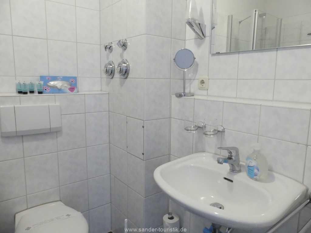 Foto der Wohnung RUG-12-021-01-binzer-sterne.binz-badezimmer.JPG