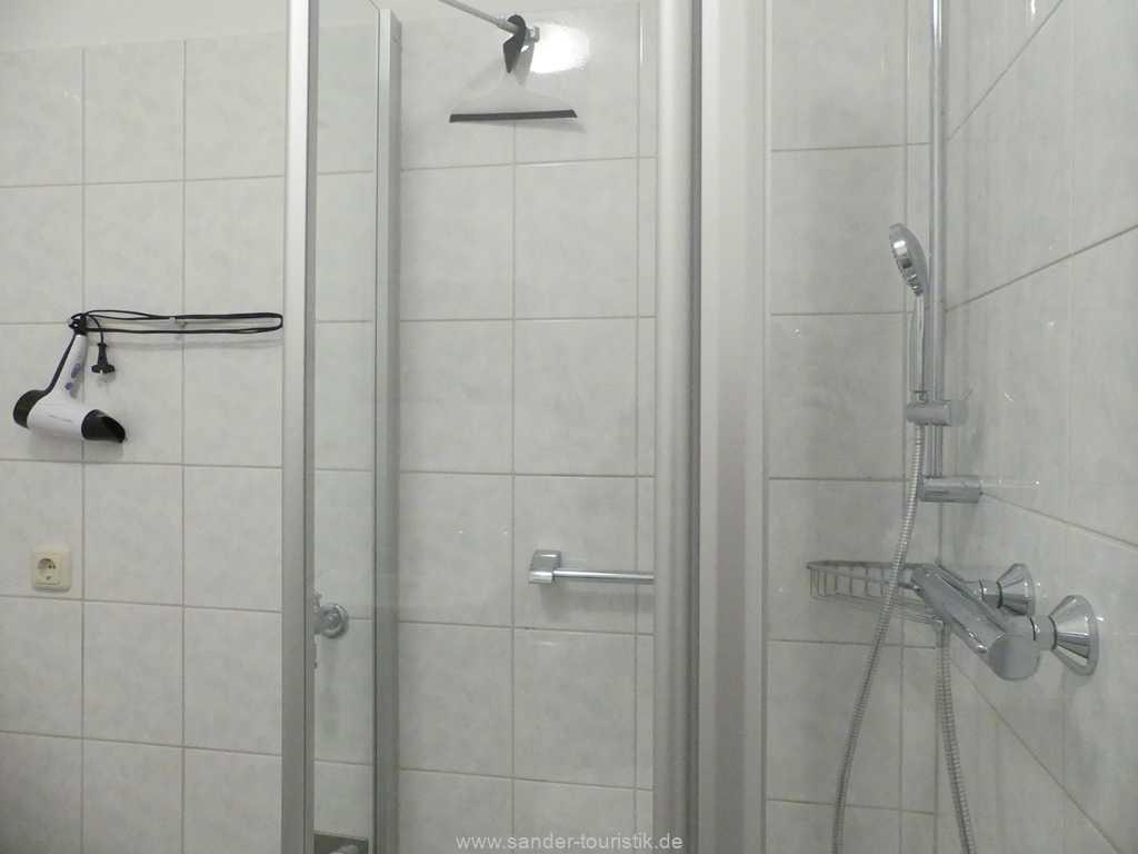 Foto der Wohnung RUG-12-021-01-binzer-sterne.binz-badezimmer1.JPG