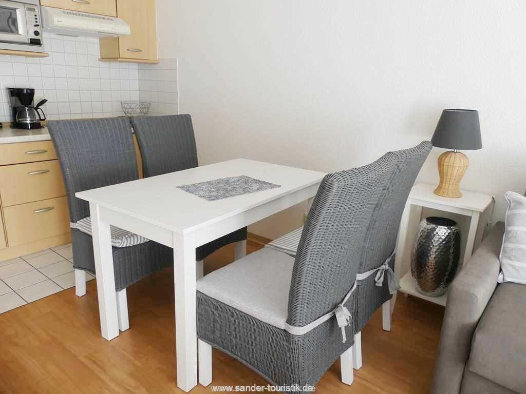 Foto der Wohnung RUG-12-021-01-binzer-sterne.binz-essbereich2.JPG
