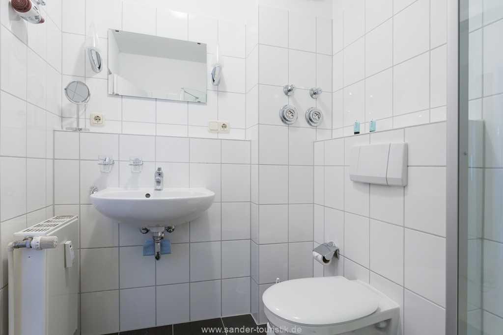 Foto der Wohnung RUG-12-021-01-binzersterne.binz-badezimmer.jpg