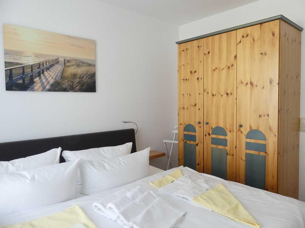 Foto der Wohnung RUG-12-021-01-binzersterne.binz-schlafzimmer.jpg