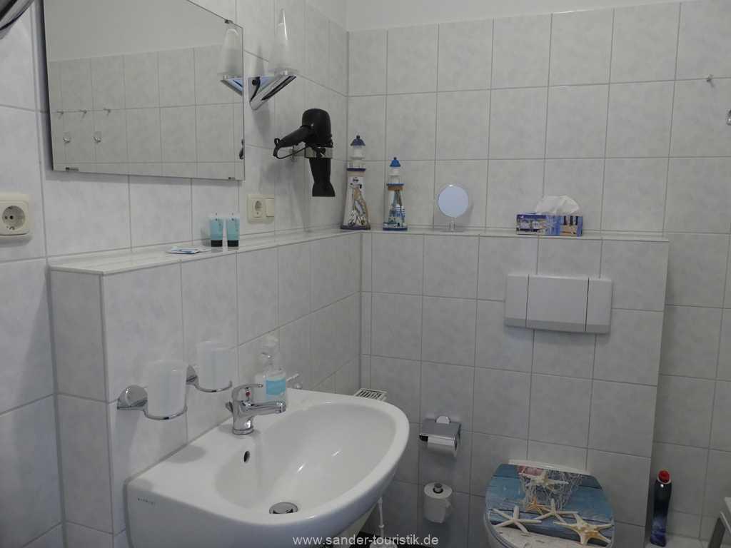 Foto der Wohnung RUG-12-021-51-binzersterne.binz-badezimmer.jpg