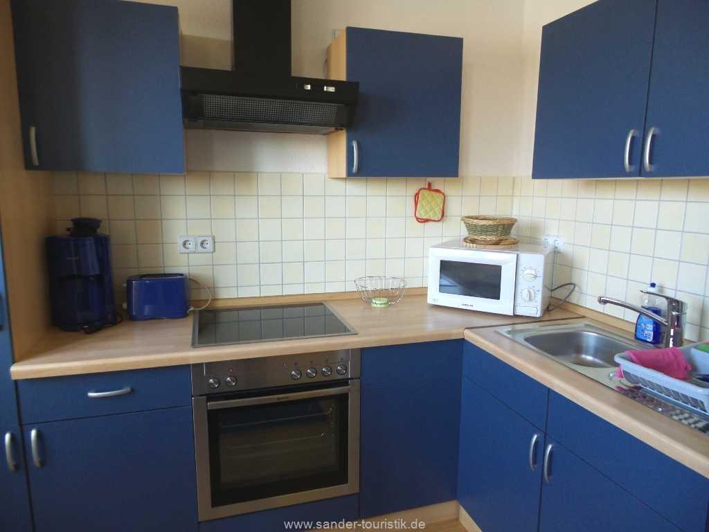 Moderner Küchenblock mit E-Geräten -Fewo Seestern - Binz