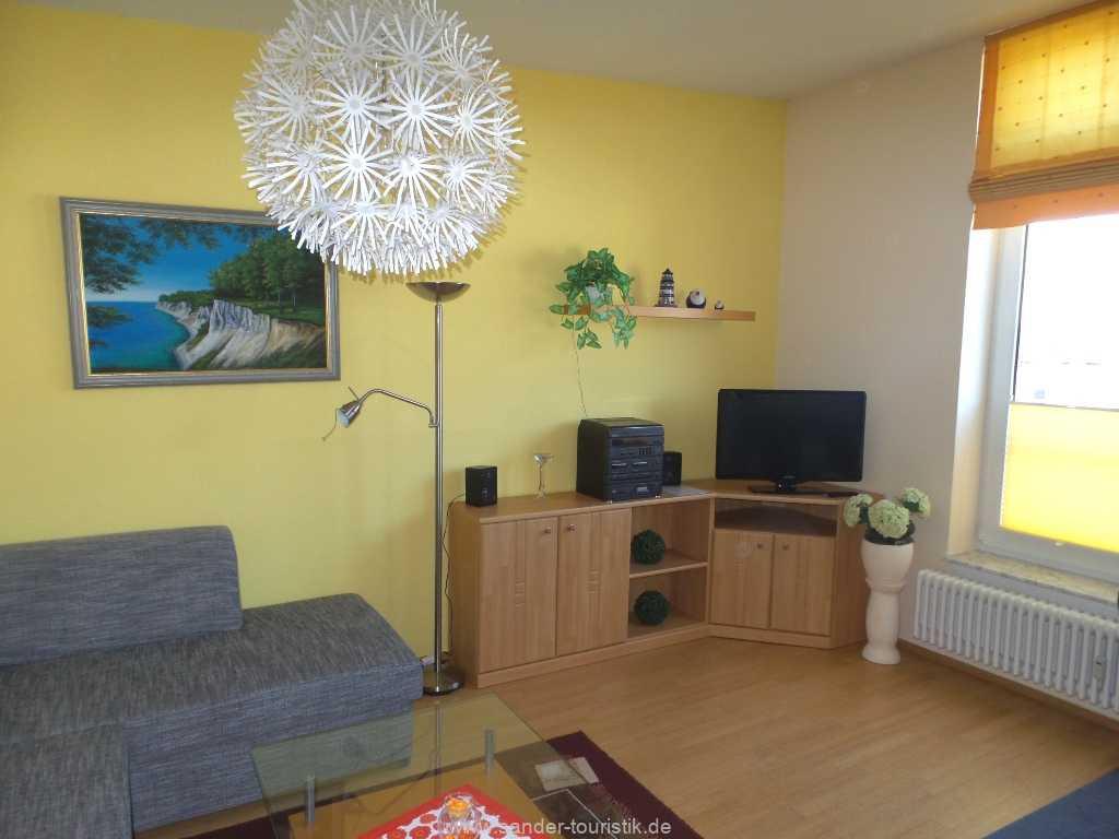 Wohnbereich mit LED-Flachbildschirm - Fewo Seestern - Binz