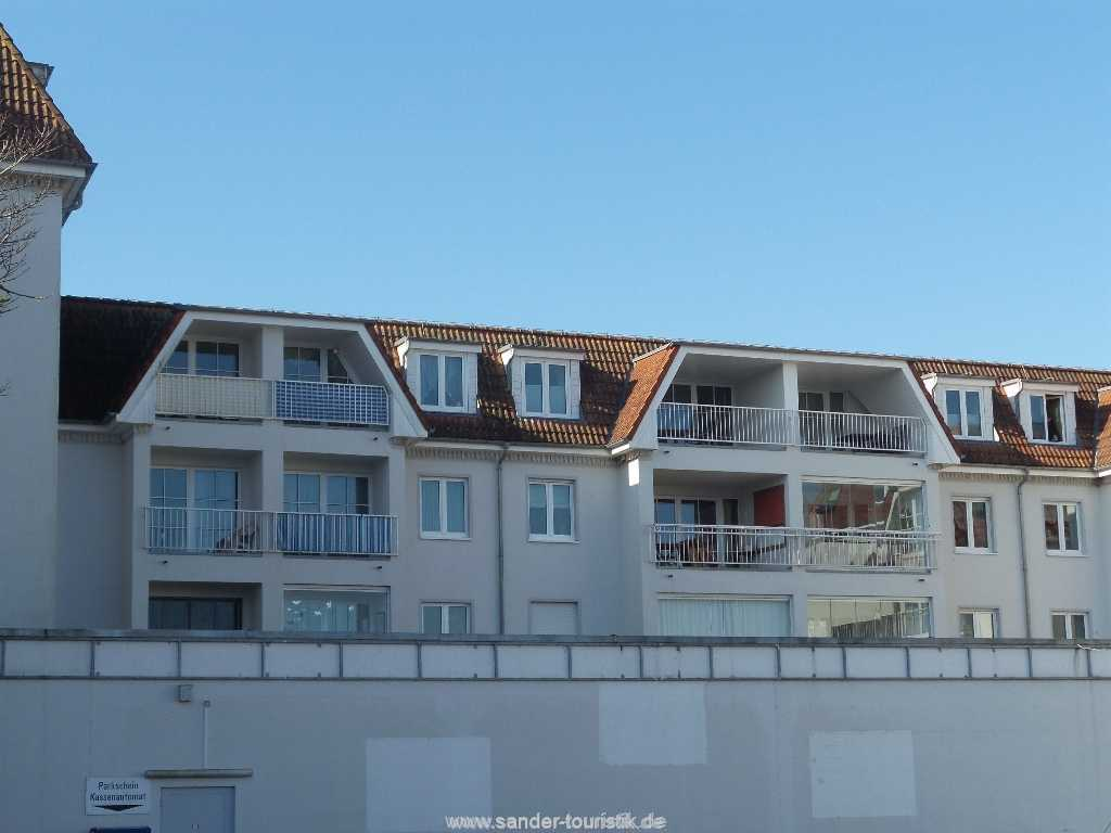 Blick von außen auf die Balkone im 3. OG