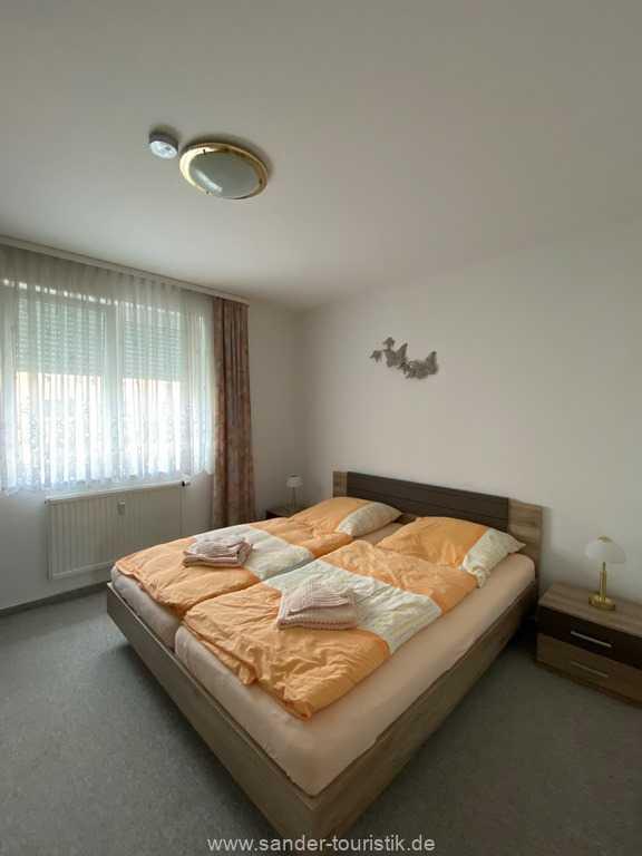 Schlafzimmer mit Doppelbett - Fewo Seemuschel - Binz
