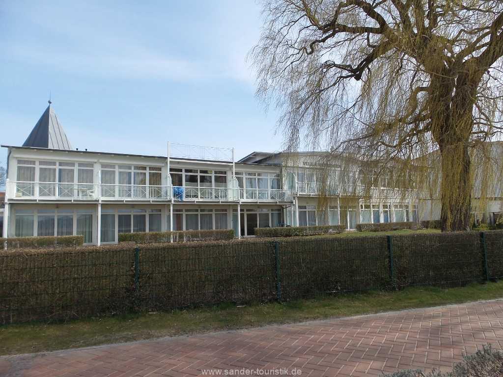 Aussenansicht Villa Seerosen in Binz vom Schmachter See aus