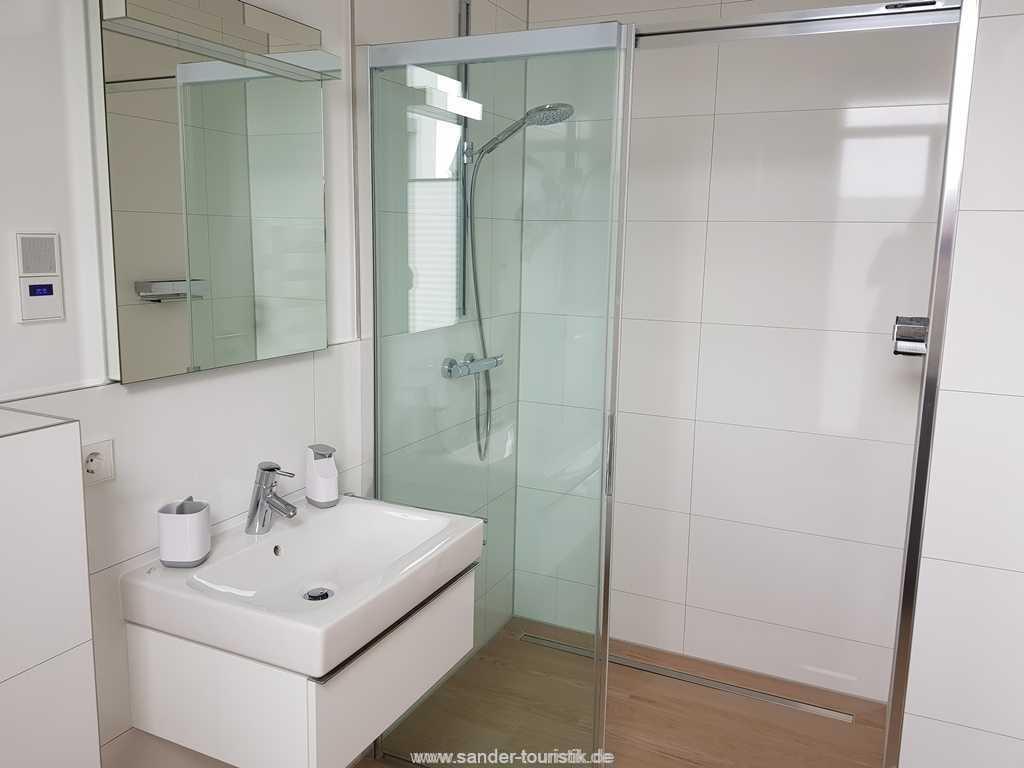Foto der Wohnung RUG-13-027-01-villa-granitzblick-binz-badezimmer1.jpg