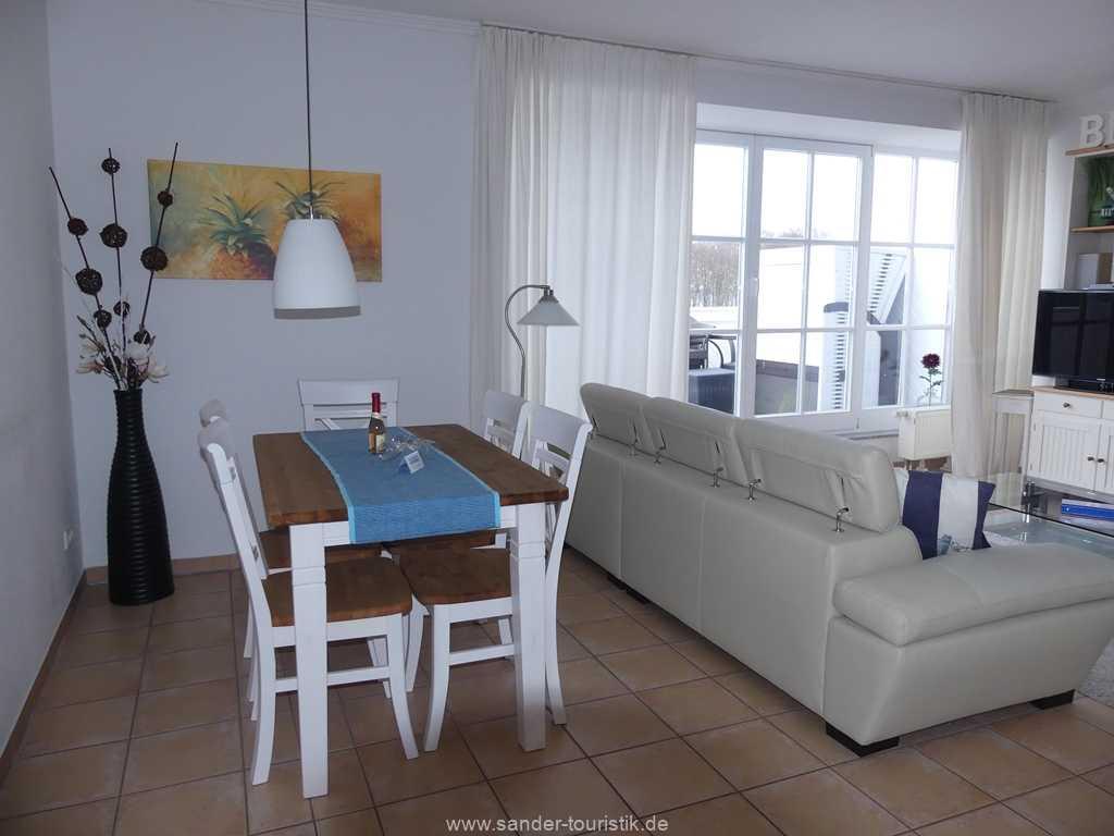 Foto der Wohnung RUG-13-036-10-villa-granitz-binz-esstisch.JPG
