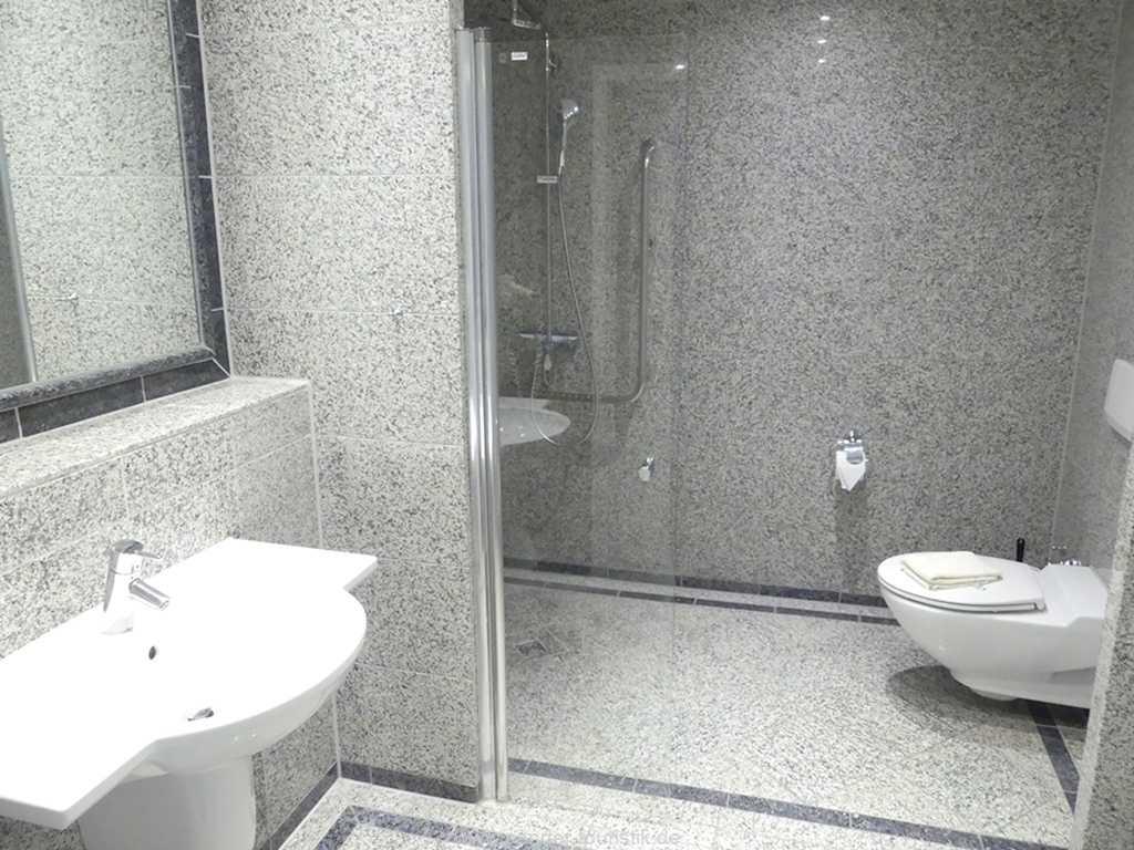 Foto der Wohnung RUG-15-002-14-duenenpark-binz-badezimmer.JPG