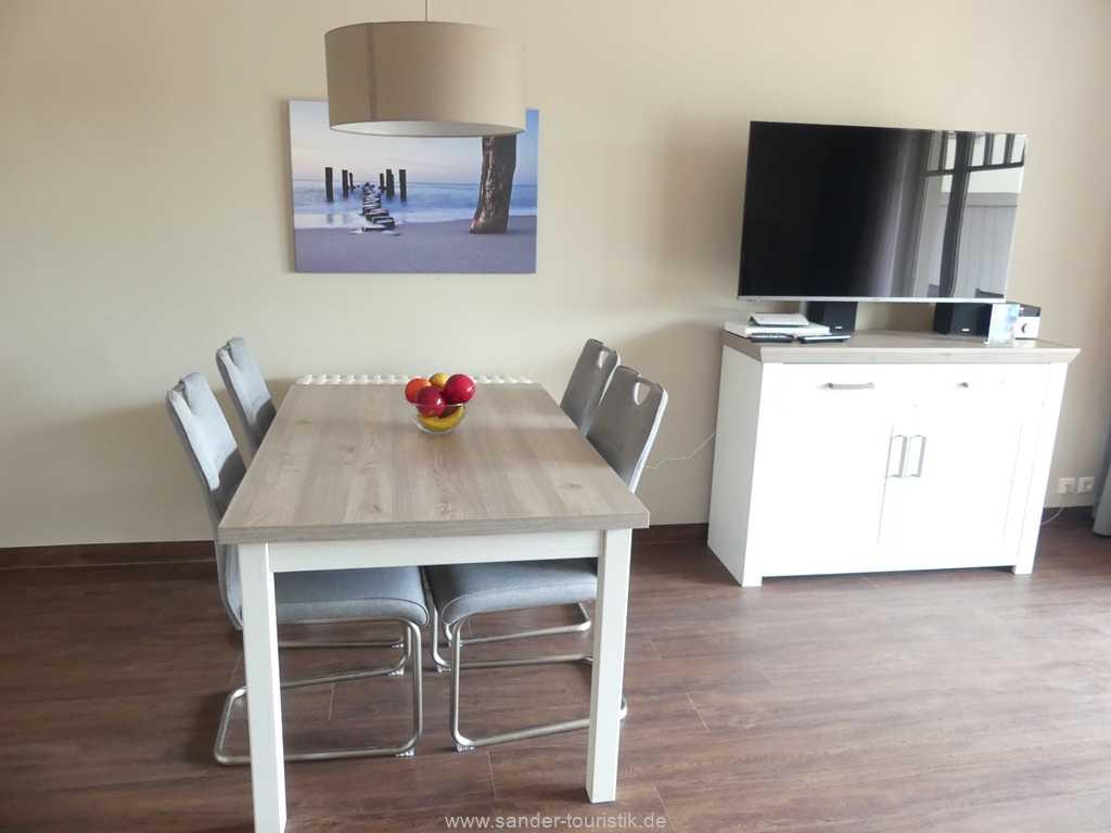 Foto der Wohnung RUG-15-002-14-duenenpark-binz-essbereich.JPG